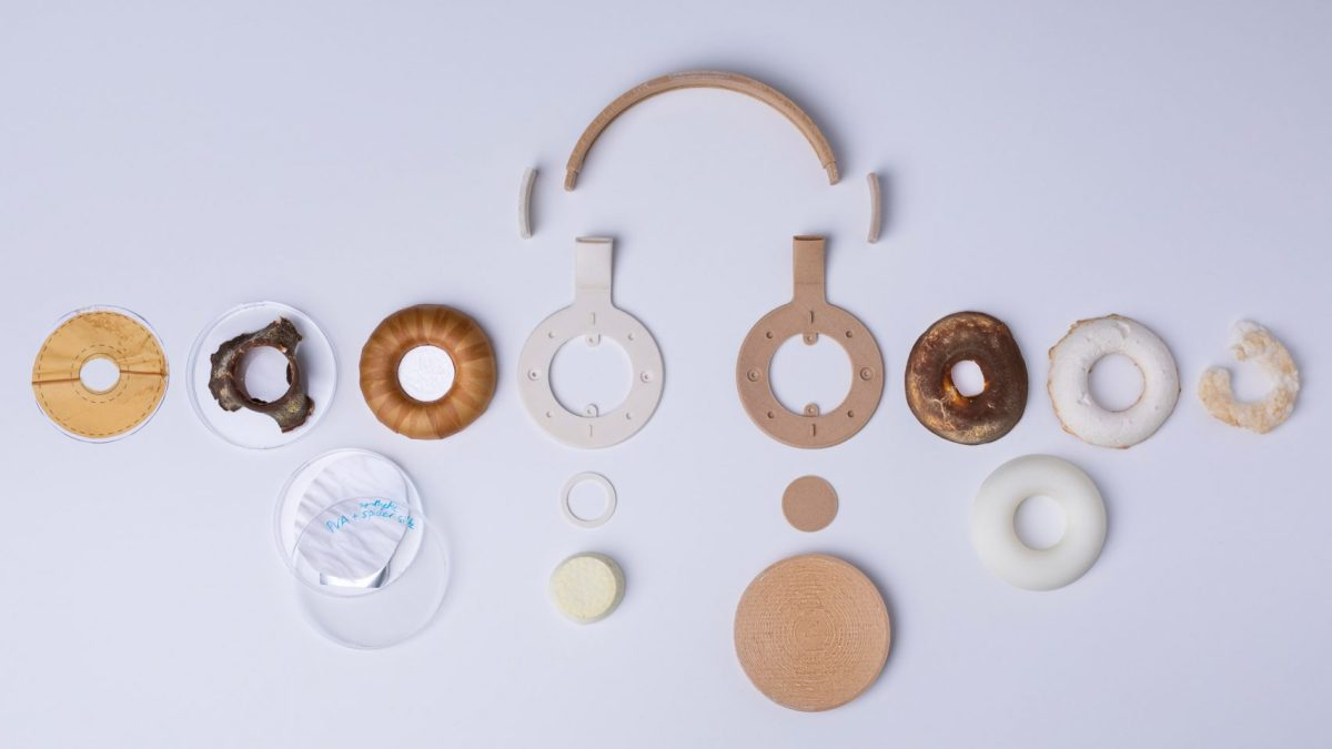 Headphones From Bioplastics, Fungus and Yeast